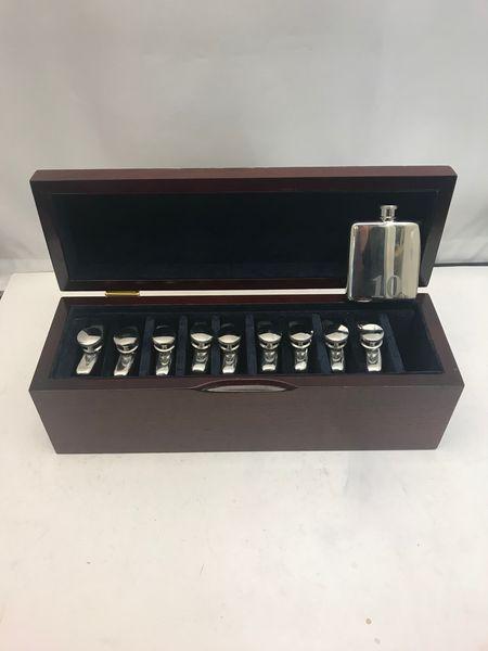 Silver_Flask_Set_2