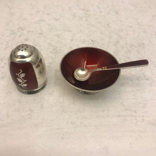 Silver_salt_and_pepper