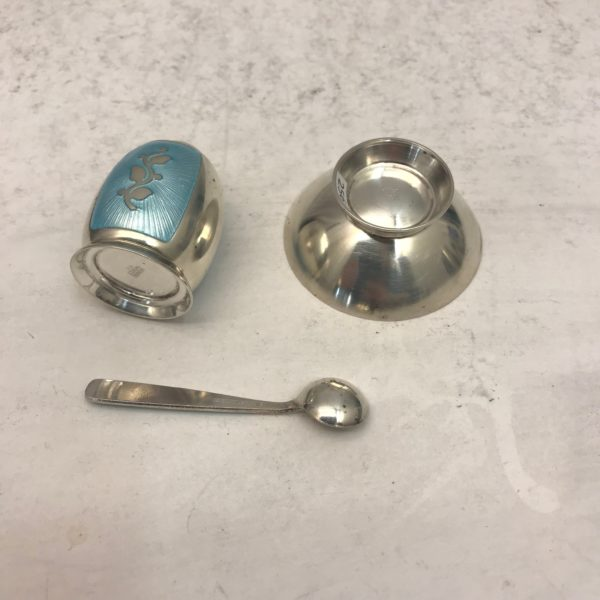 Silver_salt_and_pepper_blue