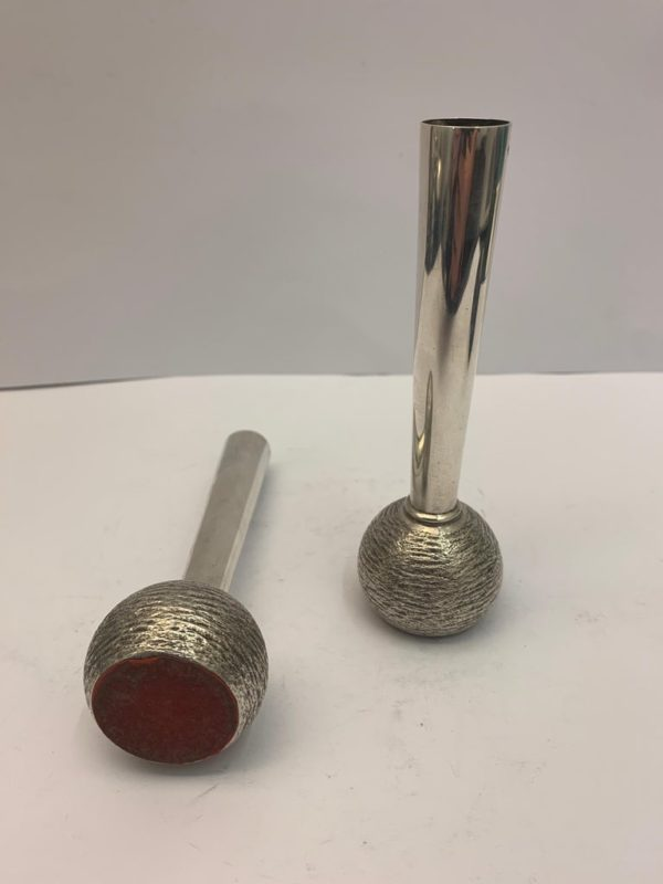 Pair of English Silver Slim Vintage Vases, 1973 - bottom