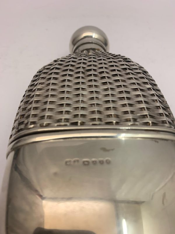 Silver hip flask with Push Tin Lid, London 1888 - hallmark