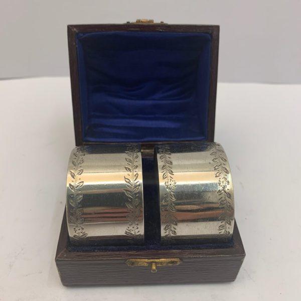 Pair of silver napkin rings made in Birmingham in 1919 - in box