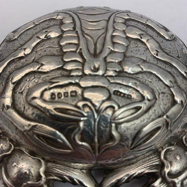 Silver Crab Snuff Box - close