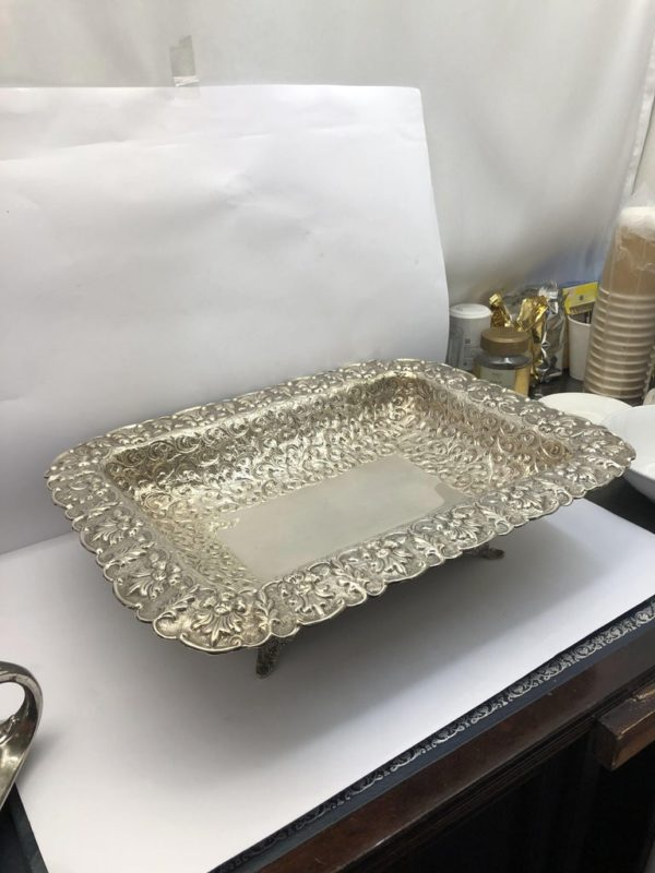 Large American Dish with Scrolling Decoration - main